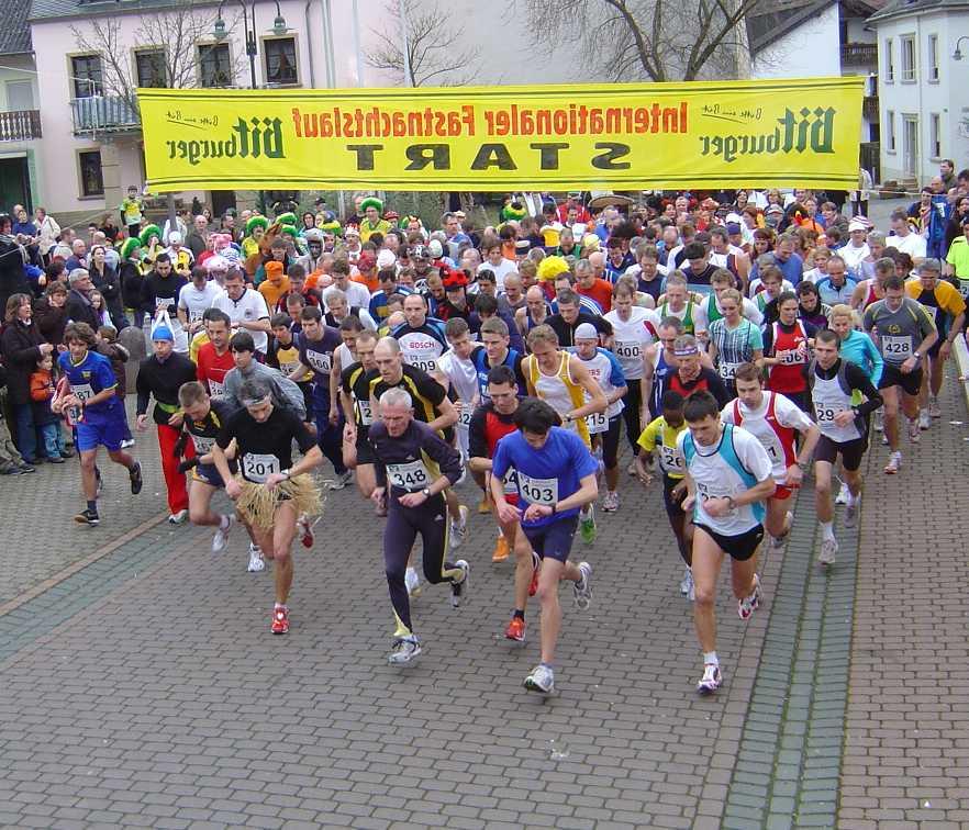 Start des Laufes im Jahr 2000